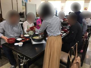 ふるさと村にて昼食