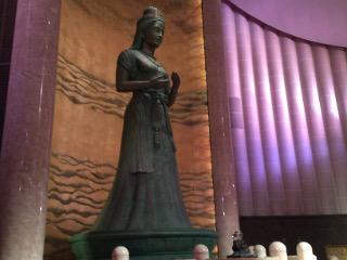 女神ルリエ像