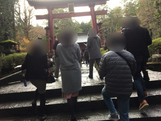 浅間神社参拝中