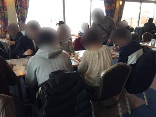 鴨川にて昼食