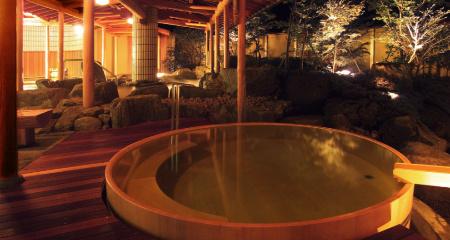 華の湯・露天風呂