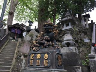 成田山・狛犬