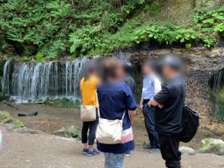 白糸の滝・グループ散策